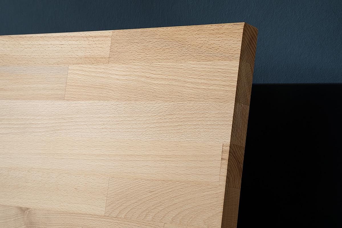 Ansicht einer Leimholz Platte aus dem Holz einer Kernbuche.